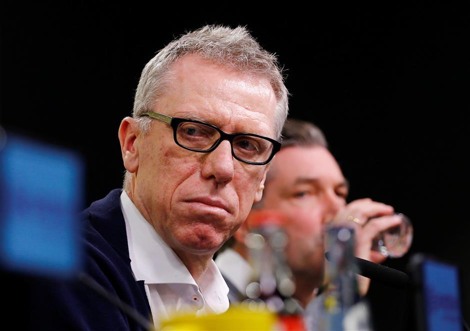 Stoeger replaces Bosz as Dortmund coach