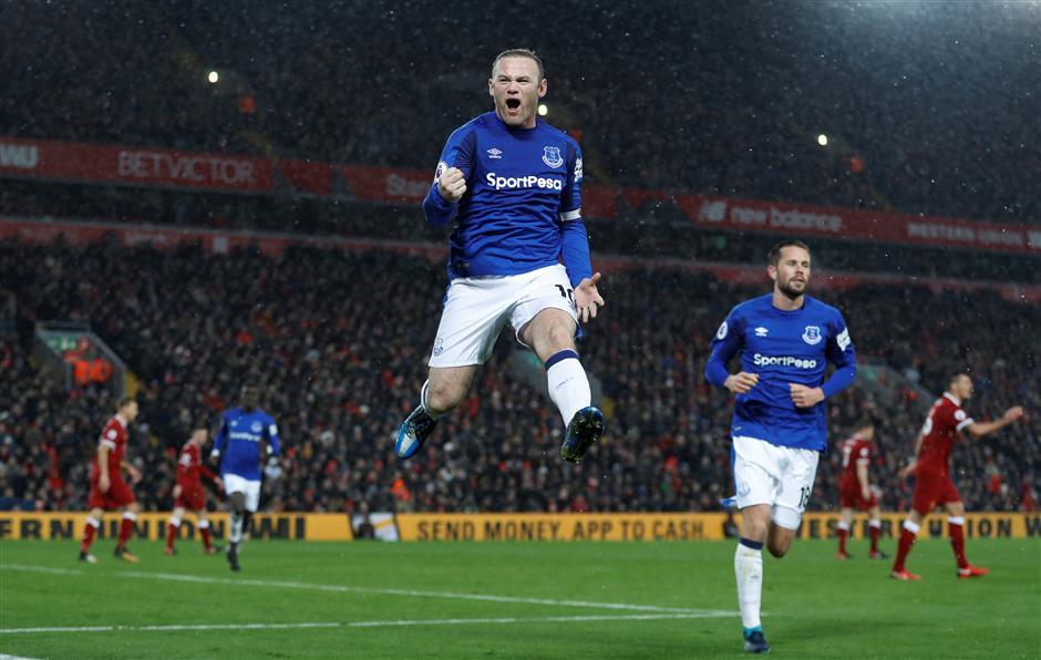 Rooney's penalty earns Everton 1-1 draw in Merseyside derby