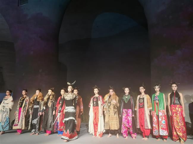 Yunnan's ethnic treasures make special trip to Shanghai