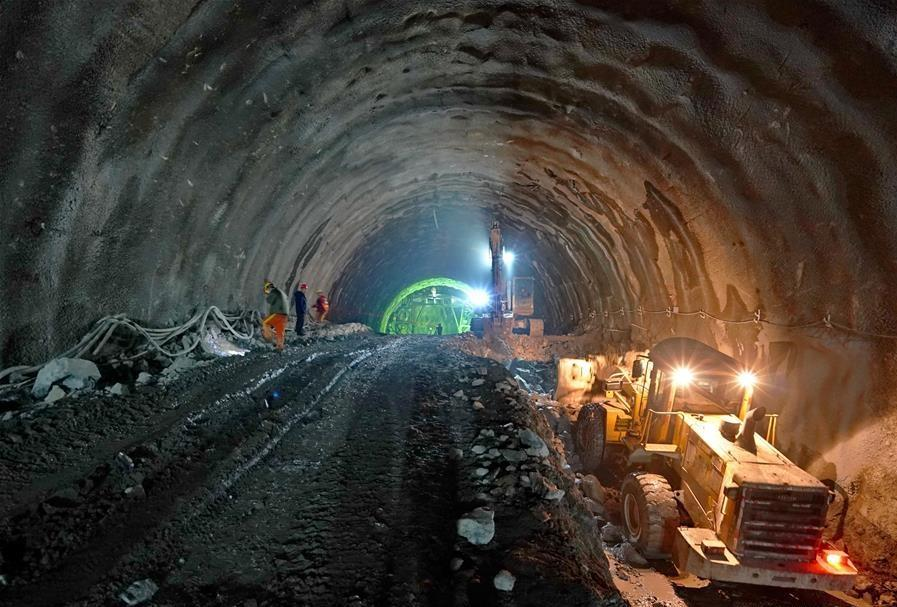 Extension line of Beijing-Zhangjiakou high-speed railway under construction