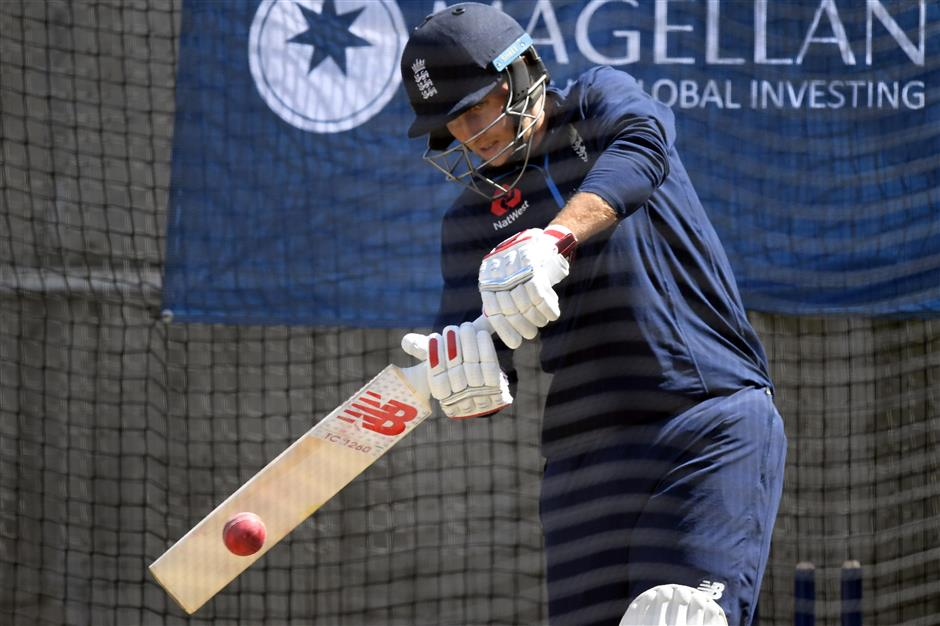 Curran to make test debut for England; Smith has sore hand