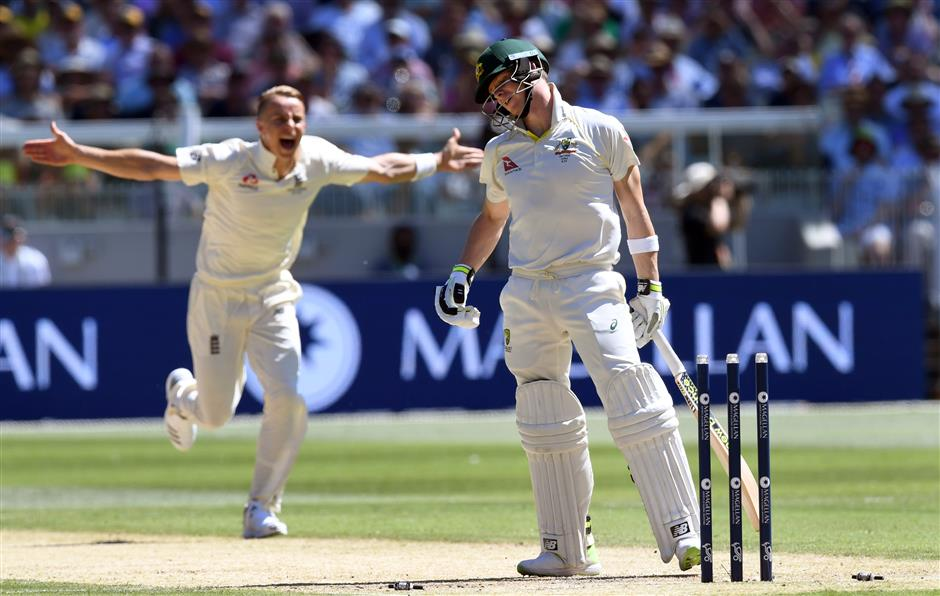 Cook grabs ton as England savors dominant day