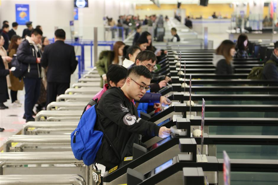 Busy 2017 for Shanghai's airports and ports