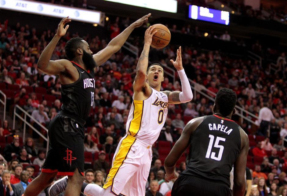 Rockets end skid, Mavs silence Thunder