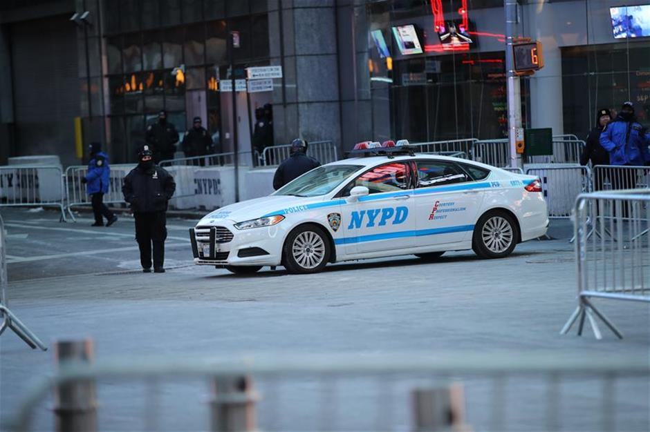 Freezing New York welcomes 2018 with tightest security