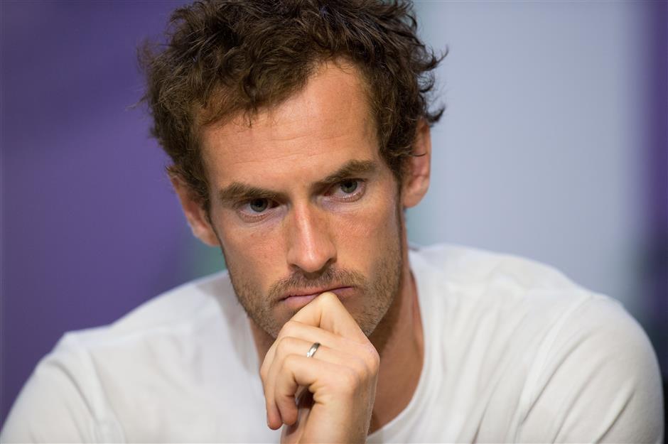 Murray undergoes hip surgery