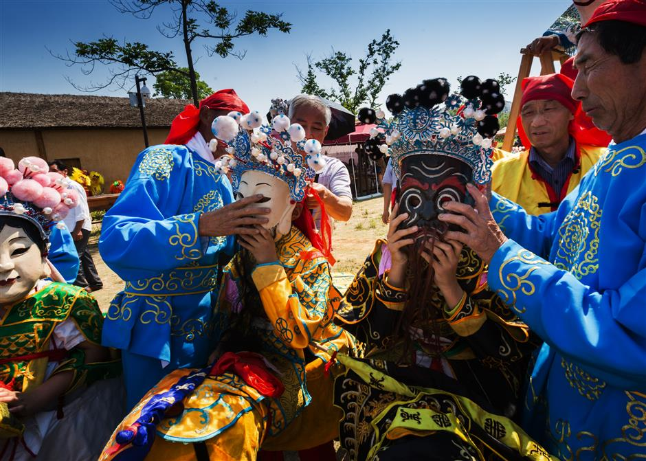 Special Nuo opera masks uplift Guizhou craftsmen out of poverty