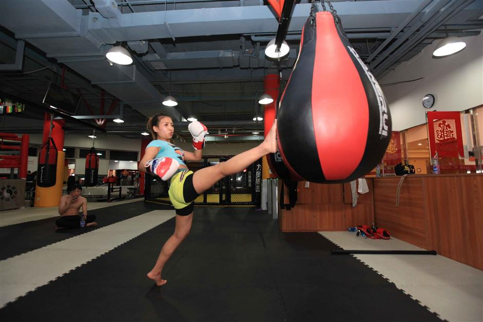 Boxing packs a punch with young Chinese