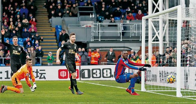 Palace recovers to hold Newcastle