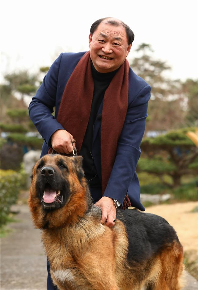 Esprit decorps: true-blue top dogs