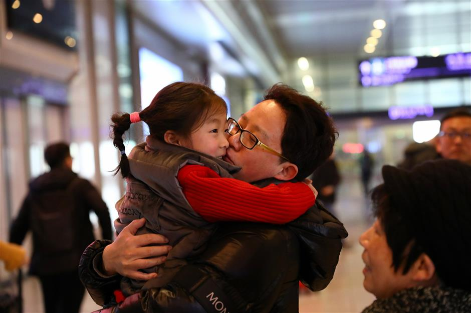 Smooth sailing as hundreds of thousands return from Spring Festival travel