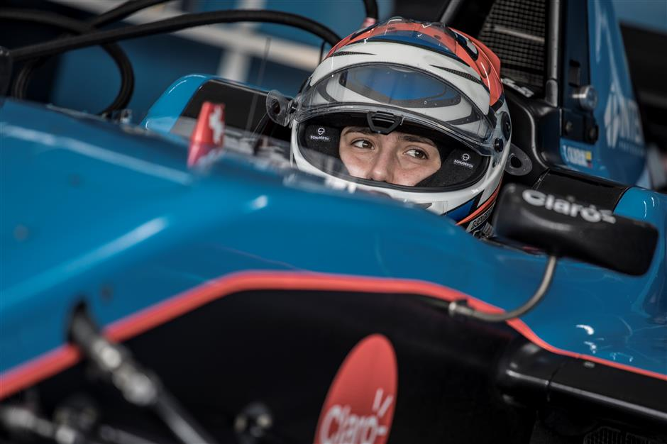 Calderon defends right for women to race in F1