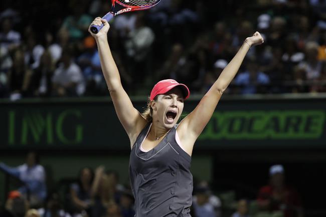 Collins stuns Venus to reach Miami semis