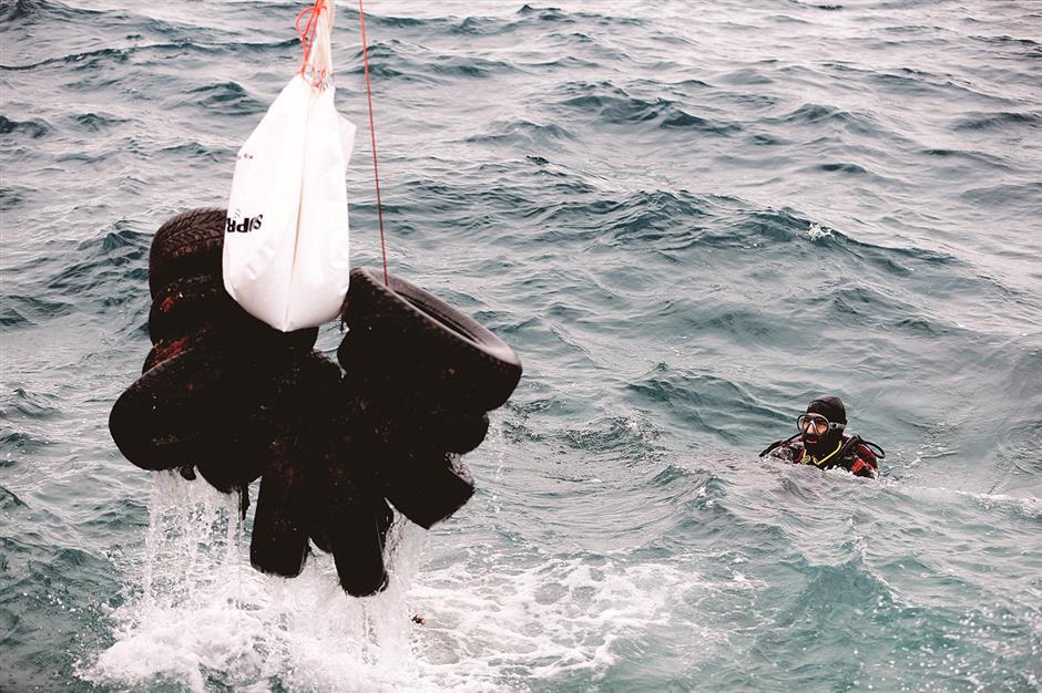 Fighting Greece's plastic trash problem