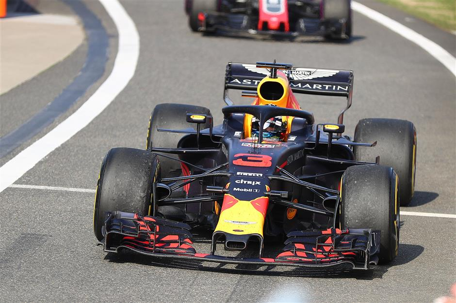 Ricciardo storms to sensational Chinese Grand Prix victory