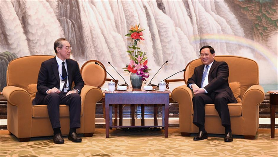 Shanghai Party chief urges closer cooperation with Hong Kong