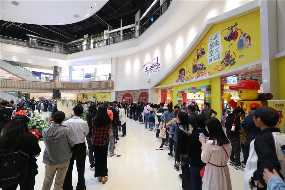 Major commercial complex opens in Putuo