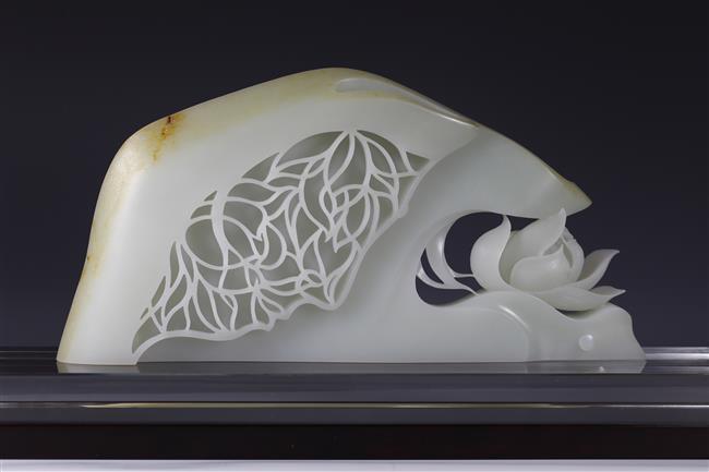 Artists polish reputation of China's iconic precious stone