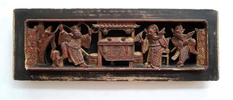 Exposition showcases history of ancient wood carving art