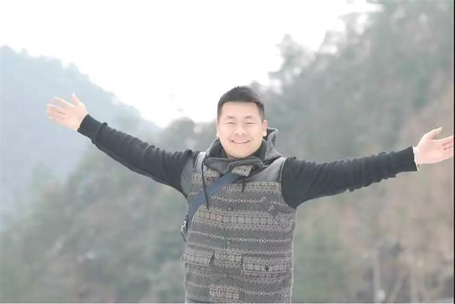 'Kung fu' policeman swoops in to save suicidal man