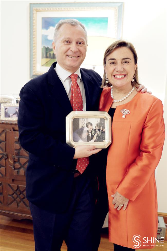The Italian Consul General, his wife, and their China adventures