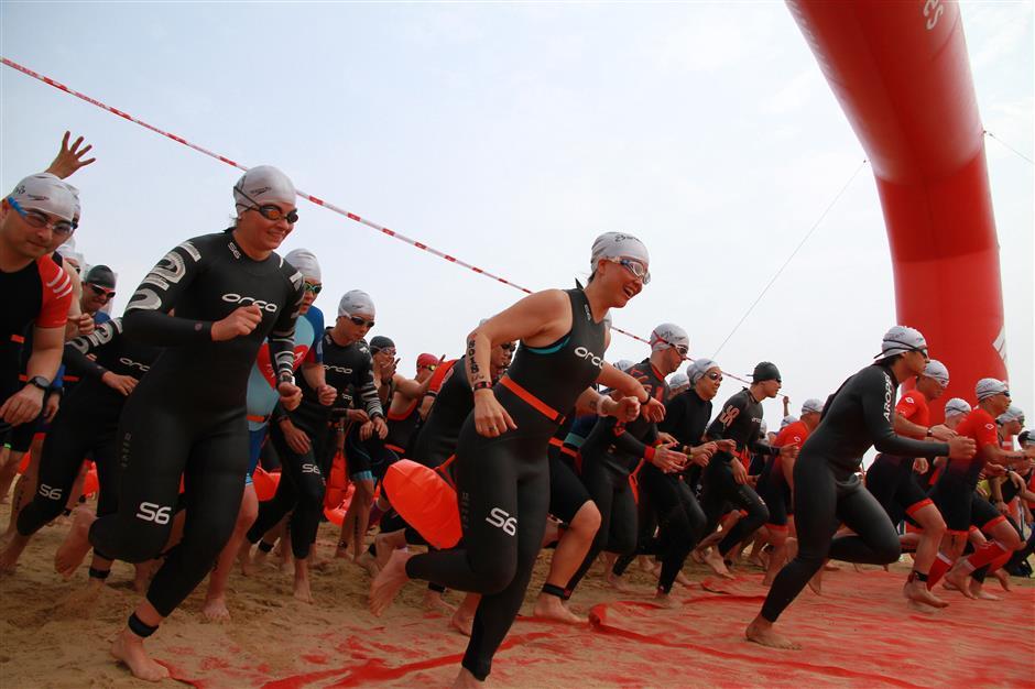 Hundreds take part in 'rookie-friendly' triathlon