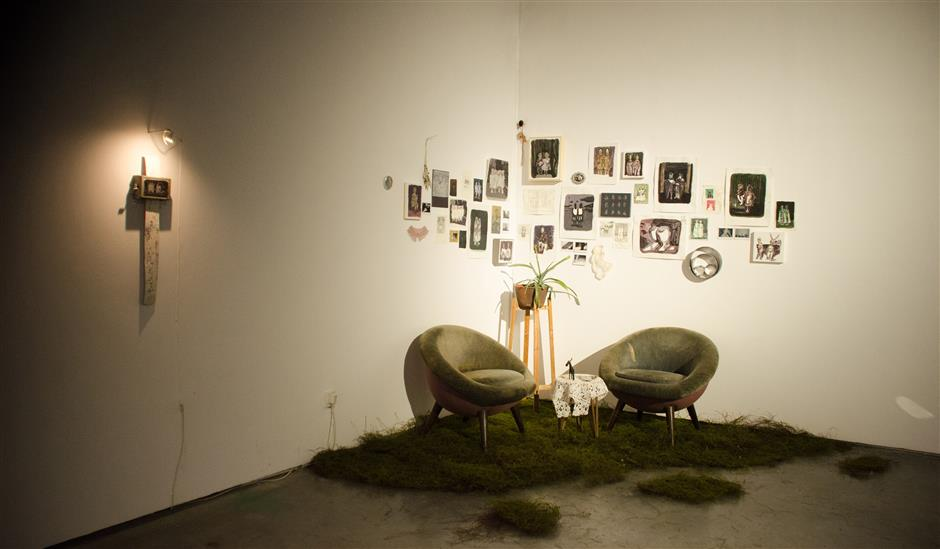 Artist's attempt at deconstructing self-identity in his 'Living Room'