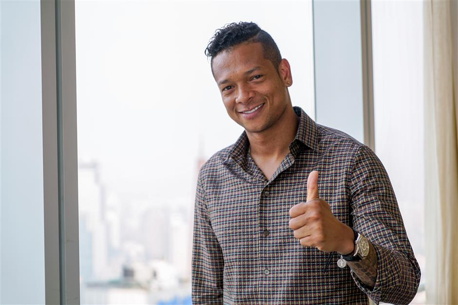 Guarin still retains hope of playing for Man United