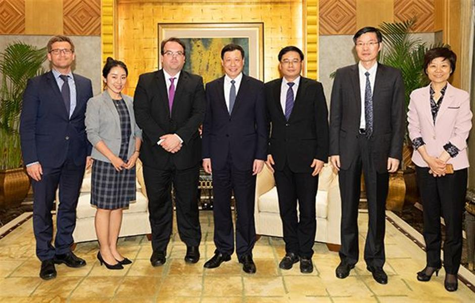 Shanghai mayor welcomes World Bank team to do research in the city