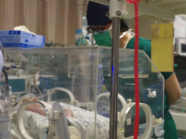 Woman with cervical cancer gives birth tohealthy boy
