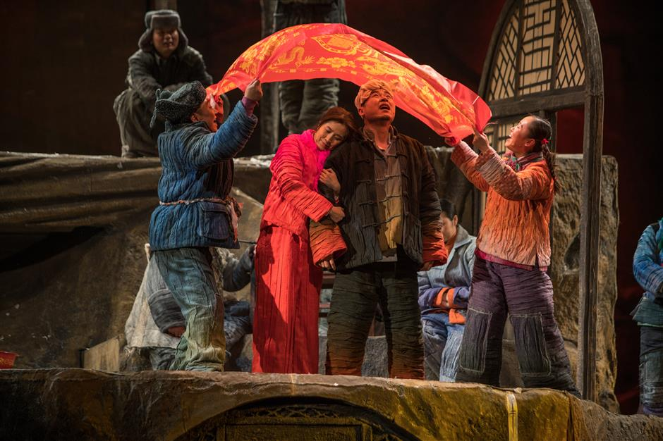 Drama festival reigns majestic in a renovated art-deco theater