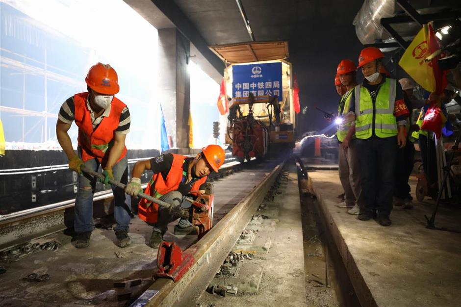 Last tracks laid in Line 13 extension, trial operation to begin this year