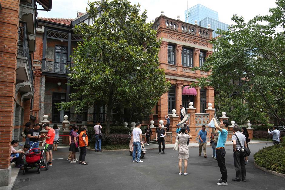City's historic buildings draw big crowds