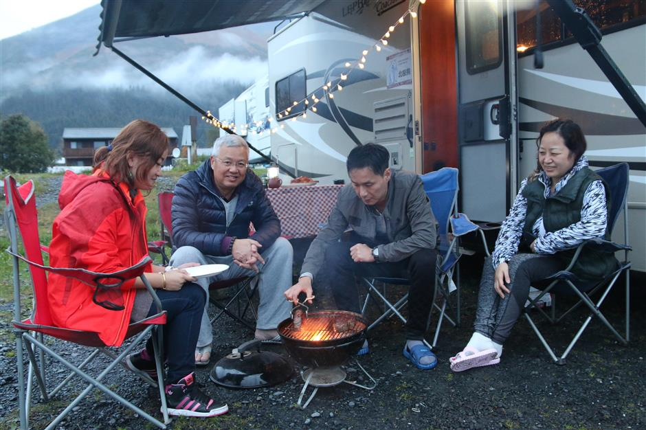 Chinese tourists discover the fun of motor homes