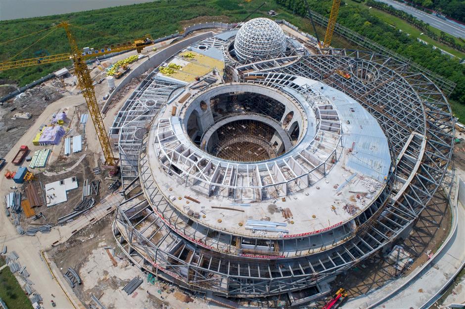 Giant leap for planetarium's construction