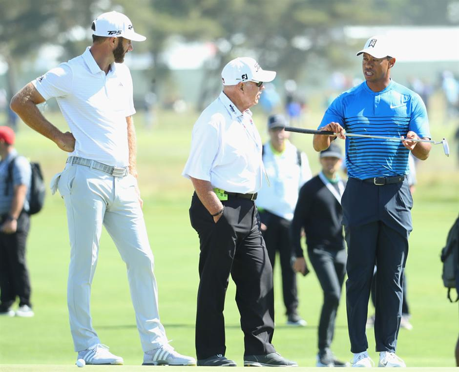 Woods, Mickelson face tall task