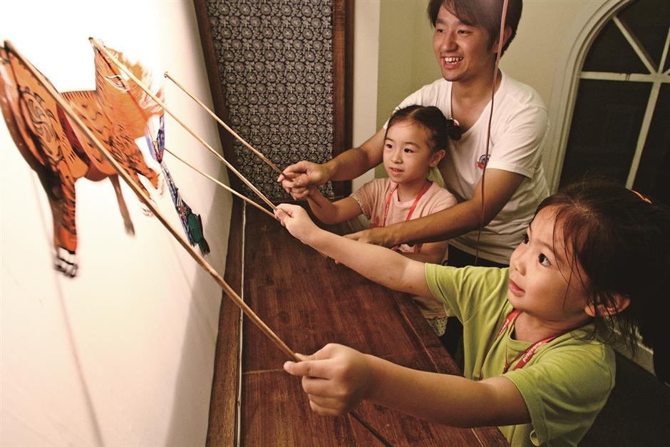 Chinese shadow puppetry steps out of shade and into spotlight