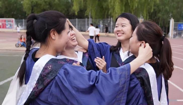Deaf woman wins spot at top university after massive effort pays off