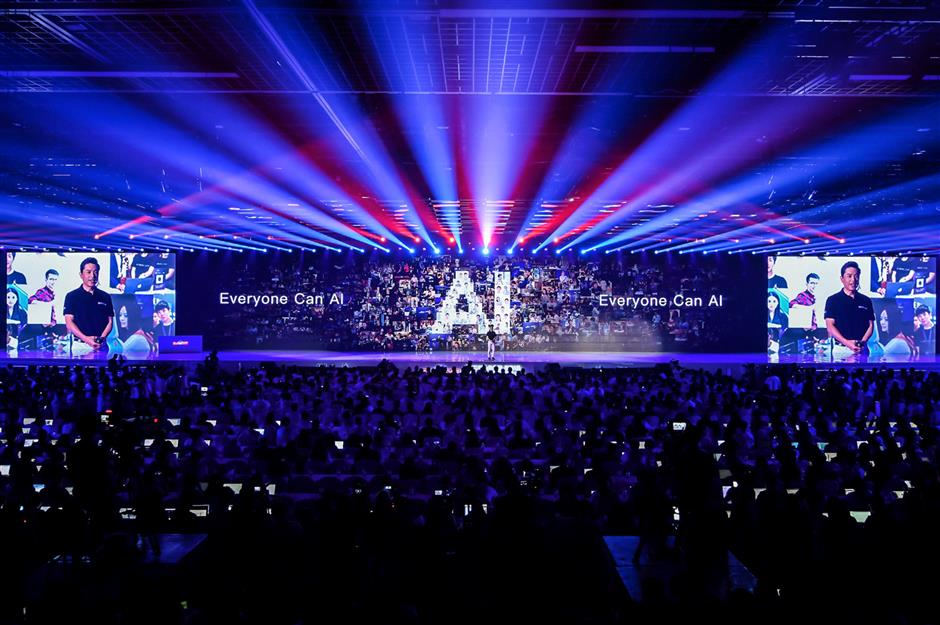 First L4 driverless cars with Baidu AI tech enter production