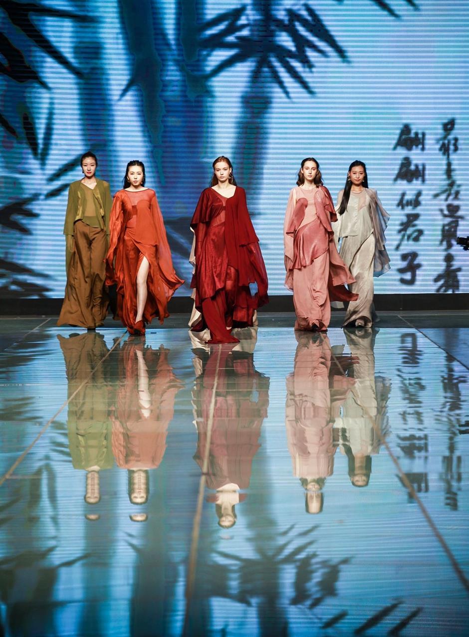 Graduates of Shanghai-French fashion institute show their designs