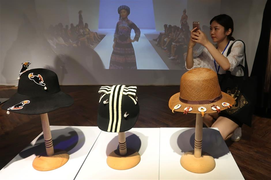 Cultural heritage artworks and workshops debut at Shanghai Great World