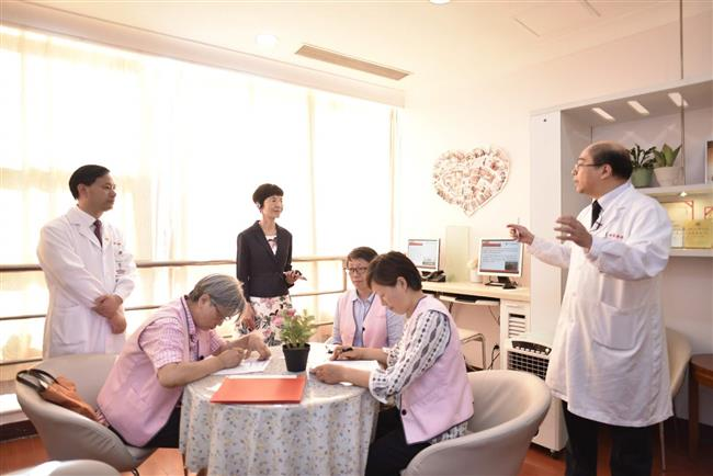 Shanghai hospitals have the largest number of out-of-town patients