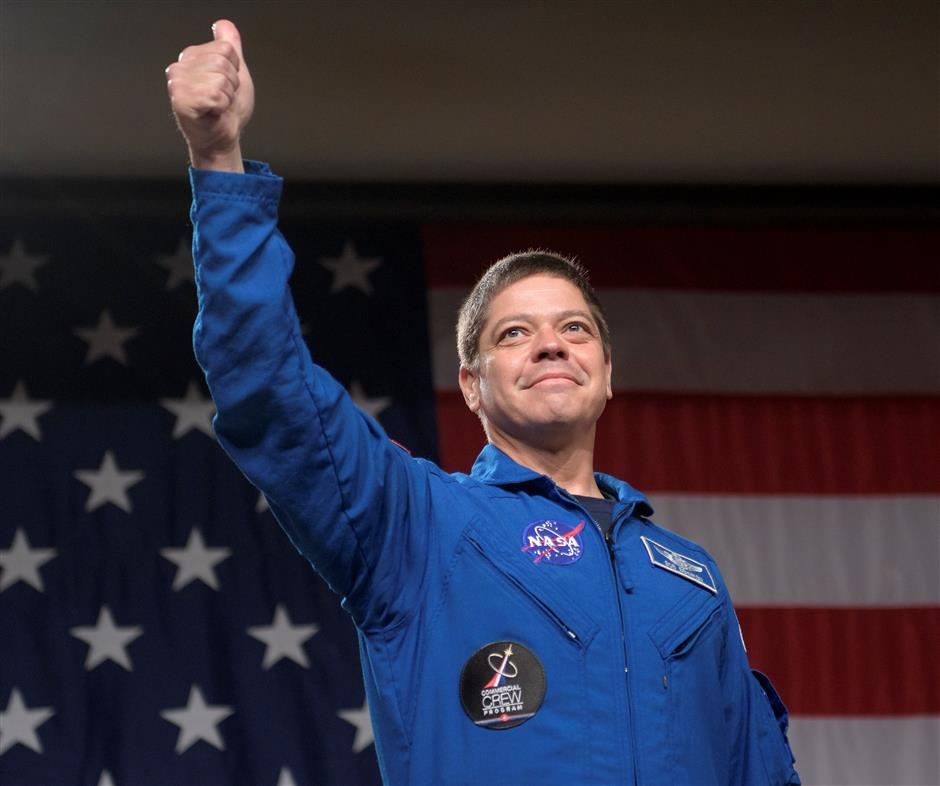 Blend of novices, veterans to fly on first private US spaceships