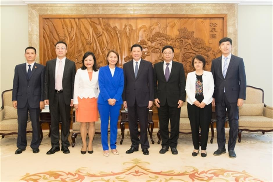Shanghai mayor meets Yum China CEO and vows strong support