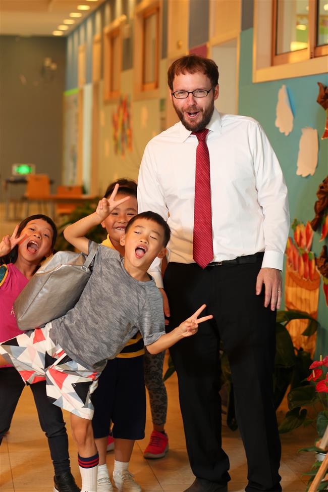 Science teacher makes learning fun for students