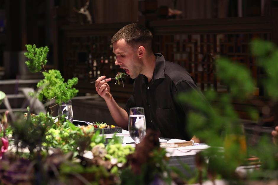 Yuyuan autumn banquet beckons foreign foodies