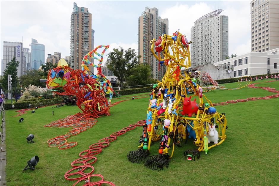 Exhibition sculpts district's unique identity