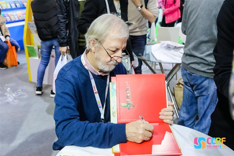 Russian illustrator casts a spell over book fair