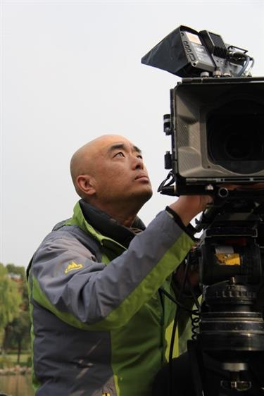 Zheng Dasheng: lighting up big and small screens alike