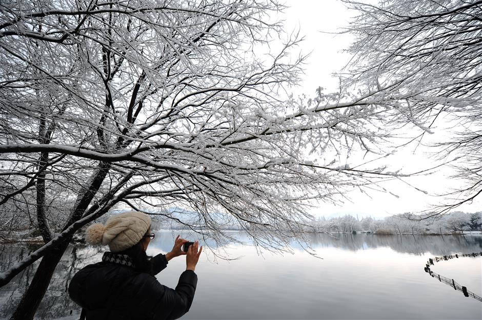 China renews blue alert for snowstorms